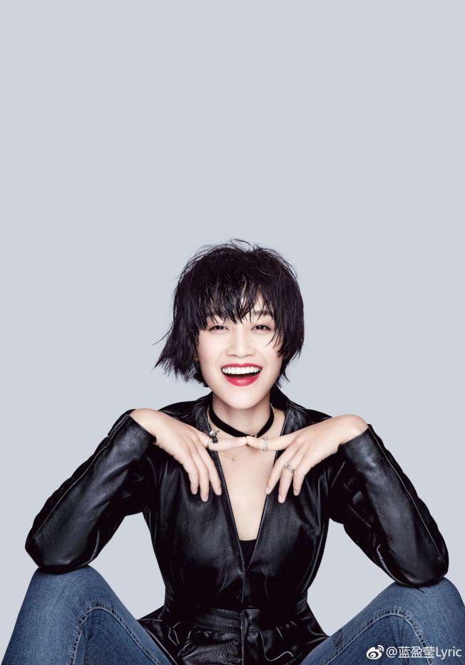 藍盈瑩是北京人藝斷檔多年的「大青衣」。(取材自微博)