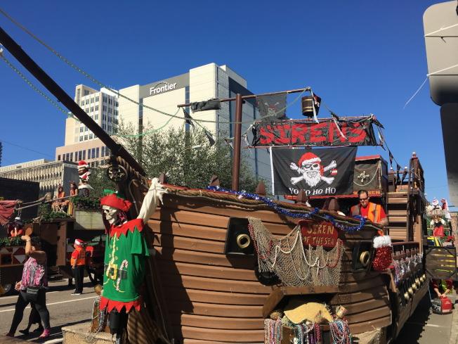 遊行隊伍之一「海盜船」。(黃安妮/攝影)