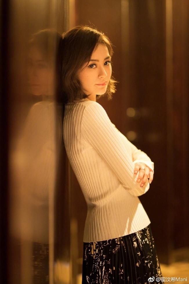 鍾欣潼談起「豔照門」還是忍不住落淚。圖/摘自微博