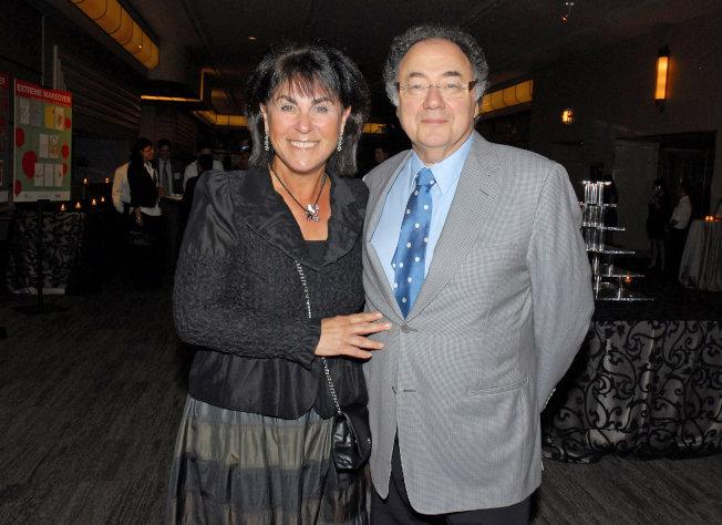 席爾曼(右)與妻子哈妮(左)15日被發現陳屍在多倫多自宅地下室。(路透資料照片)