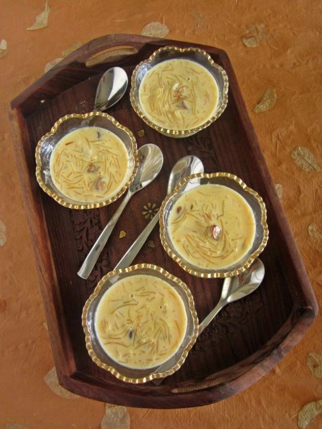 印度:印度的基督徒在圣诞节时会享用传统的咖哩料理,最后他们也会吃上一碗香甜的牛奶布丁。(网络照片)