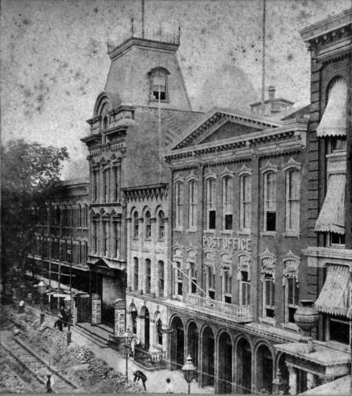 布碌崙戲院大火前的照片。圖取自維基百科