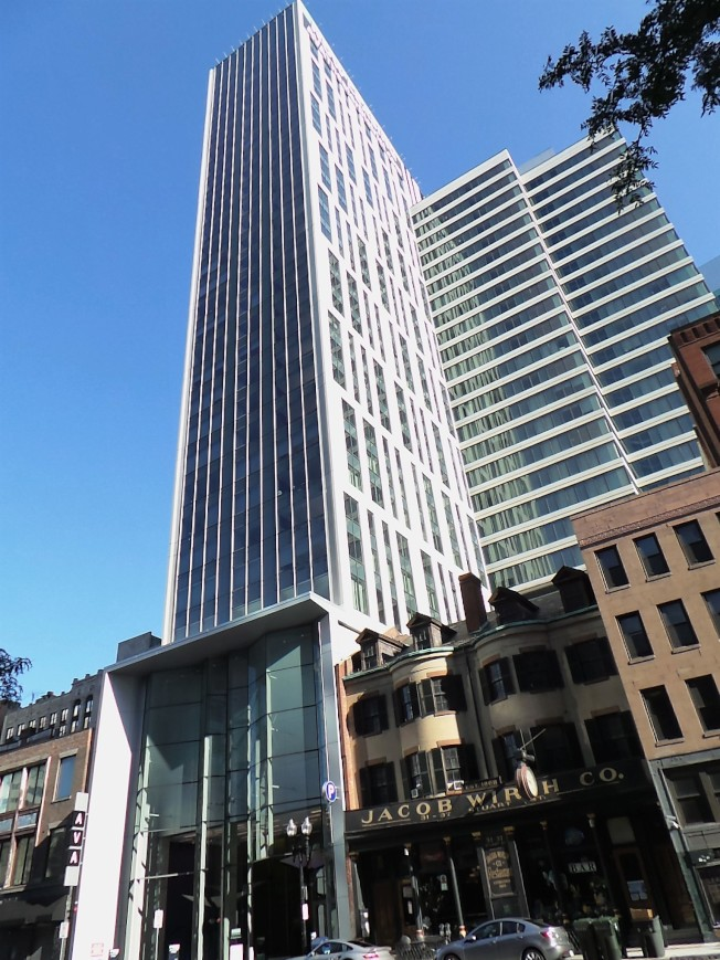 波士顿在全美「百万豪宅」数量名单中排行13,约有9.8%住屋房价超过百万。 (记者唐嘉丽/摄影)