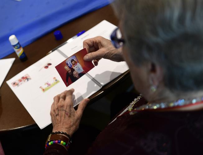 微生物可能造成老年人出现具有致命影响的失智症,如今这套理论已经获得部分科学家支持。 (Getty Images)