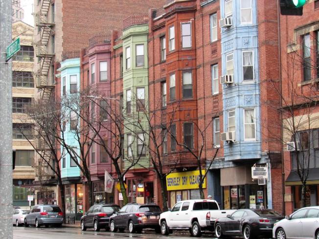 研究员分析降价比率、租金涨值和负担力等因素,评出全美十大「买家友好」城市,波士顿排名第二。 (记者唐嘉丽/摄影)