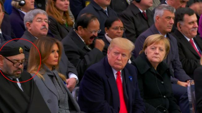 11日为一战百周年,法国总统马克宏演说时,摩洛哥国王频频打盹,而一旁的川普则是冷眼凝视,逗趣画面引起网友热议。 (Getty Images)