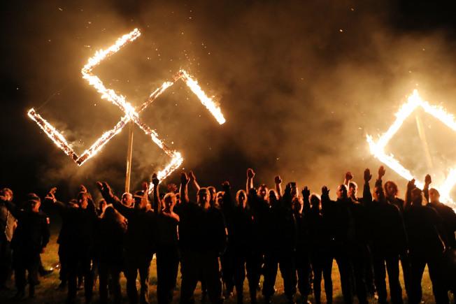 图为乔治亚州白人至上主义和亲纳粹组织举行活动。 (Getty Images)
