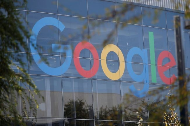 谷歌(Google)将推出类似广播的随选语音新闻服务,能透过智慧喇叭收听,并借助人工智慧加以个人化。 ( 路透资料照片)
