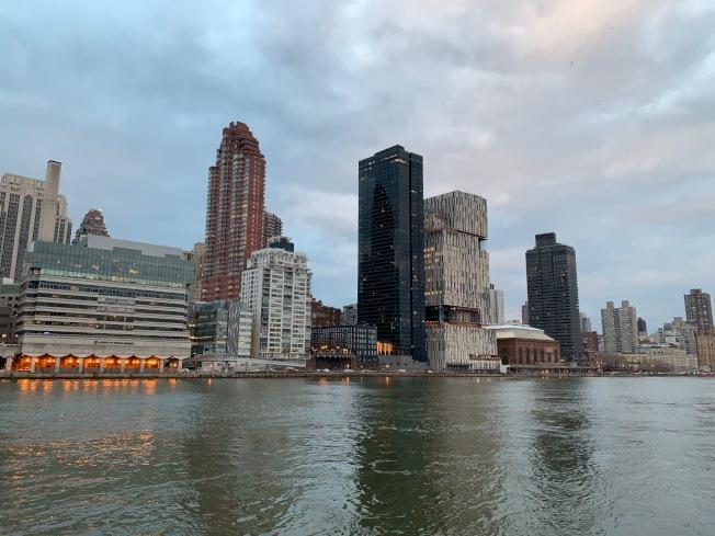 数据显示,曼哈顿房价上月已经降至三年前的水平,同比降幅创下2009年以来最大。 (记者和钊宇/摄影)