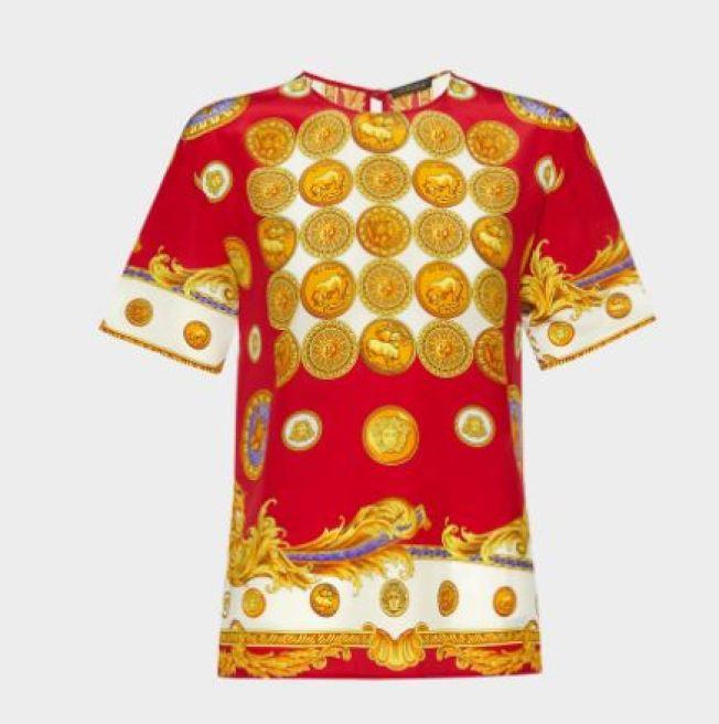 义大利知名精品Versace推出农历新年桑蚕丝上衣。 (取材自Versace官网)