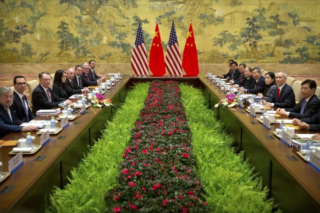 美中高层谈判14日在北京钓鱼台国宾馆展开。美联社