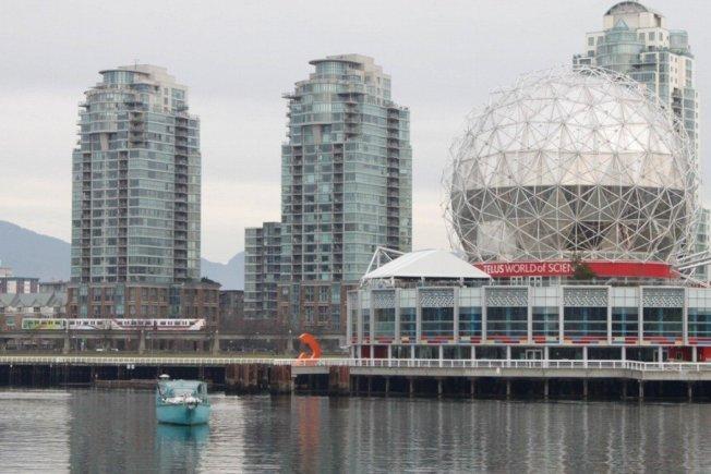 温哥华政府正考虑对当地的闲置豪宅提高空屋税,图为该市知名地标科学博物馆。图╱Getty Images