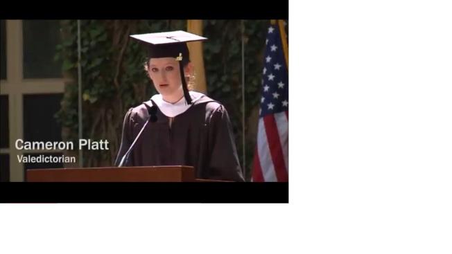 普林斯顿大学高材生普拉特在毕业典礼代表毕业生致词。 (Youtube)