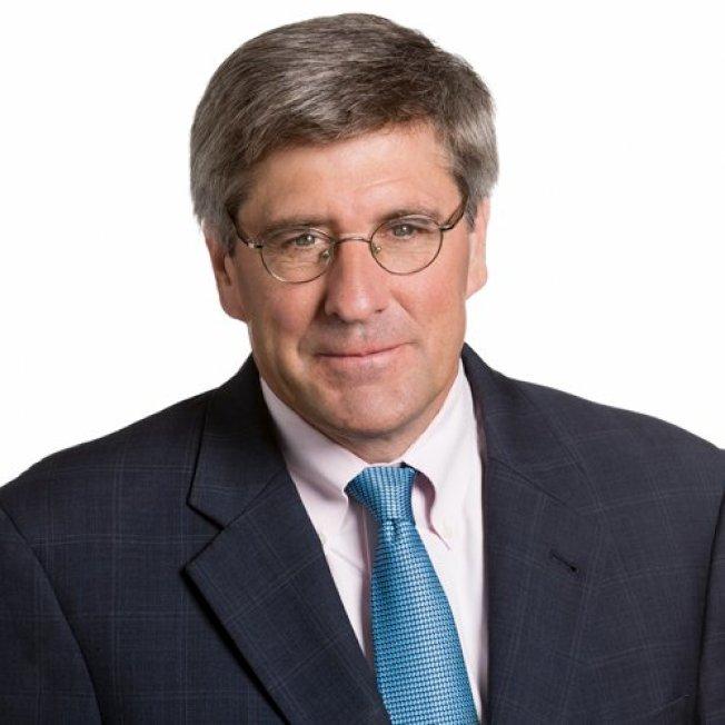 保守派评论员摩尔宣布退出联邦准备理事会理事提名。 (取自推特)