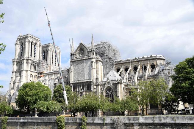 圣母院建筑结构的补强作业已经展开。 (Getty Images)