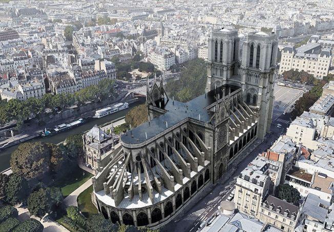 巴黎圣母院重建,法国向全球建筑师征求设计,有设计图提在顶楼盖泳池。 (取材自UMA)