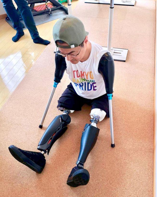 天生没有四肢的乙武洋匡,首次在他自己的Instagram公开装上义肢的照片。 (取材自Instagram)