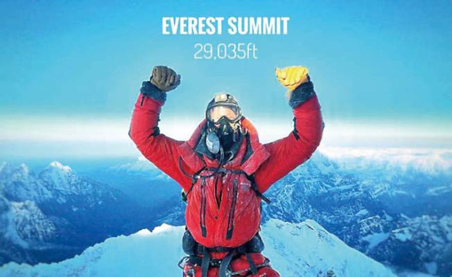 旧金山人哈特曼(Woody Hartman)本月登上珠峰时所拍。 (取自哈特曼的Instagram)