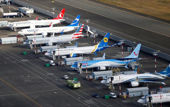 图为数家航空业者遭停飞的737 MAX客机。路透