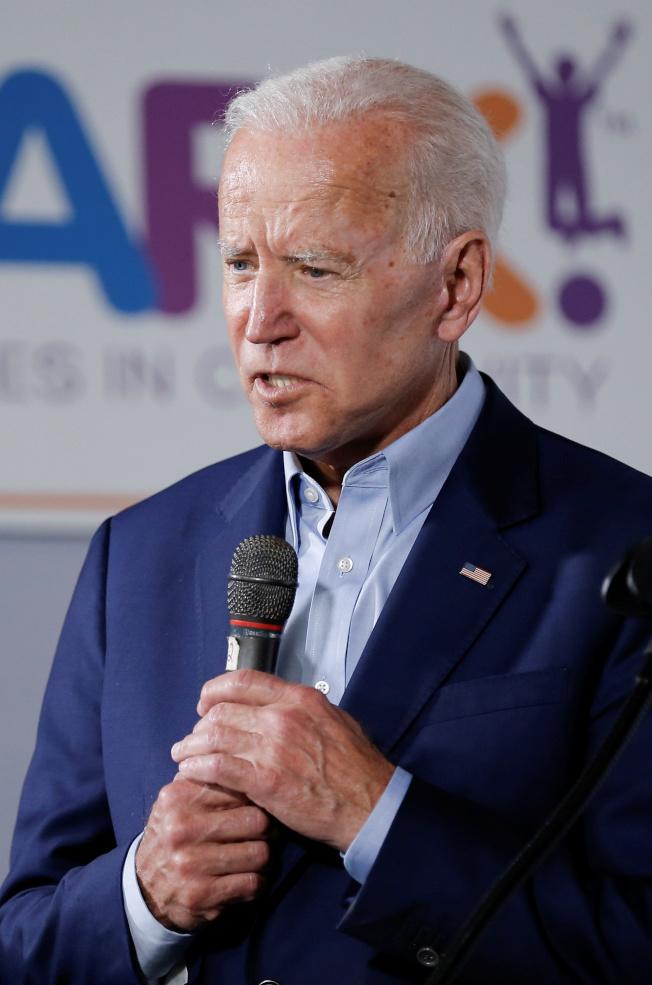 前副总统betway必威登陆平台在民主党内民调领先,图为日前他在德州参加造势大会。 (路透)