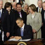 2010年3月23日:歐記健保法歐巴馬簽字生效