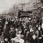 1917年3月8日:俄帝時代女工遊行 要求「麵包與和平」