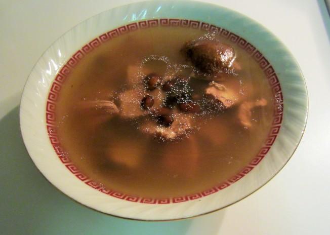 3.(二) 陳皮黑豆牛尾湯(一湯兩味)