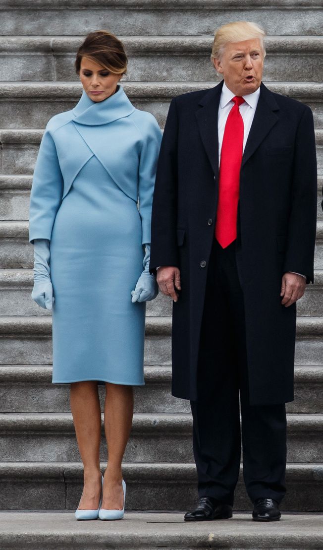 川普總統在就職典禮上與第一夫人梅蘭妮亞一同亮相。(TNS)