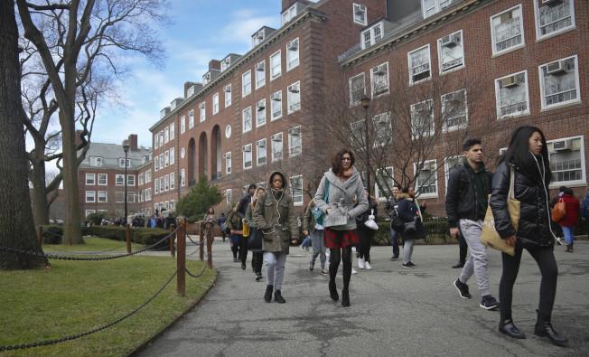 免費上大學幫助更多年輕人走進校園。(美聯社)