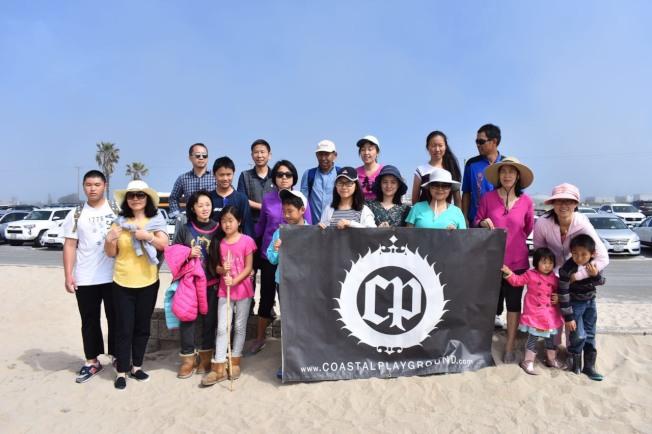 華裔義工以家庭為單位參與活動,並表示期待下一次活動。(讀者提供)