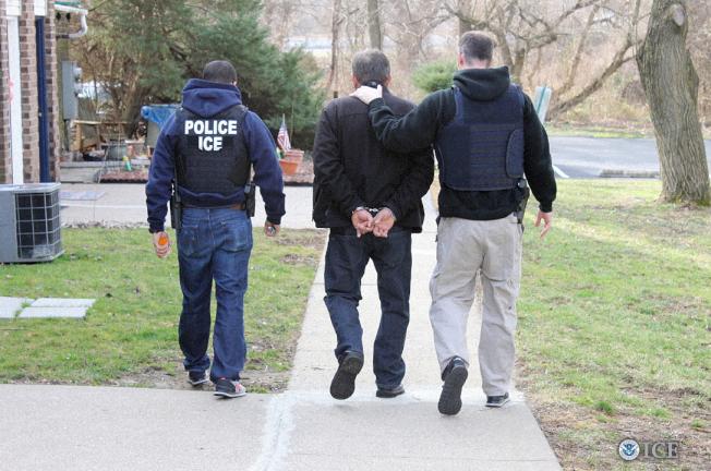 ICE紐約州逮八名無證移民,多有性侵或強暴前科。(取自ICE推特)