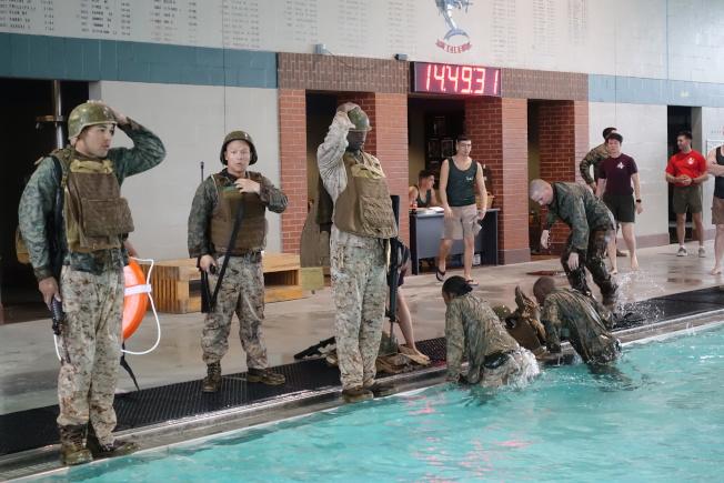 陸戰隊是兩棲軍種,也注重水中訓練。(記者金春香/攝影)