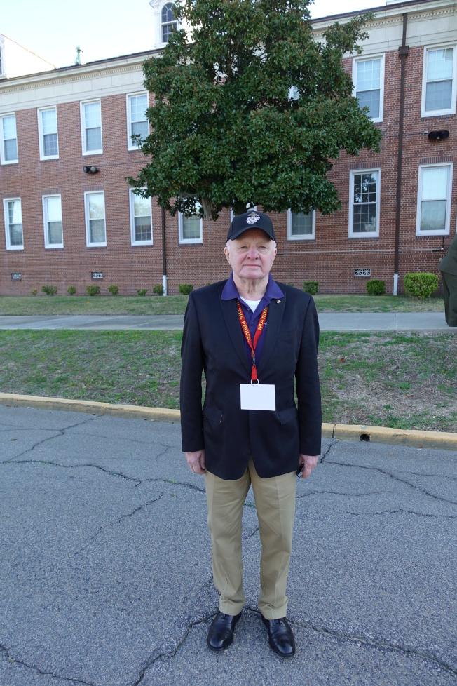 81歲陸戰隊老兵Terence Moran重溫數十年前回憶。(記者金春香/攝影)