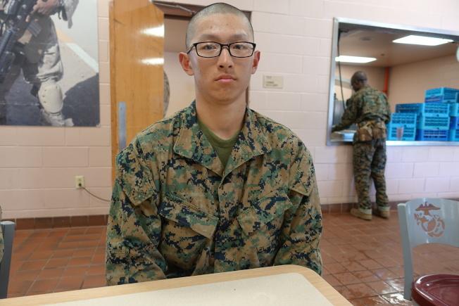 劉中傑願意接受陸戰隊磨練。(記者金春香/攝影)
