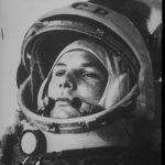 1961年4月12日:史上第一位進入外太空的人是…
