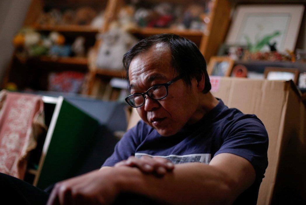 53歲的經部昭博希望能找到正職工作。 路透