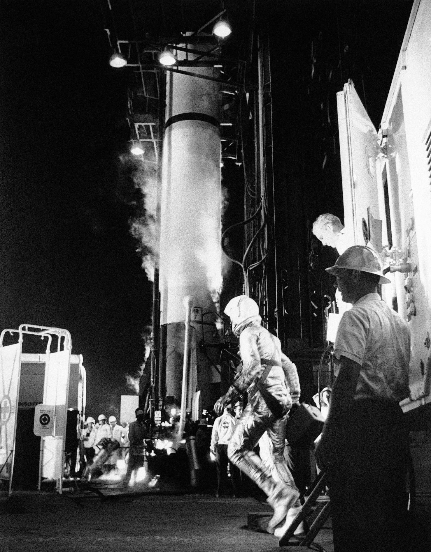 1961年5月5日雪帕德搭乘「自由 7 號」太空船在佛羅里達卡拉維納爾角升空,完成了一次「次軌道飛行」。(美聯社)