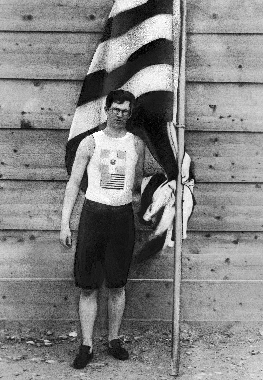 美國選手哈佛大學學生Ellery Harding Clark (波士頓)贏得跳高及跳遠雙料冠軍。(美聯社)