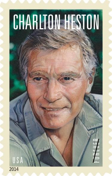 美國郵局2014年4月11日在好萊塢市的TCL中國大劇院舉行首發式,宣布發行紀念卻爾登希斯頓的永久性郵票(Forever Stamp)。(本報資料圖片)