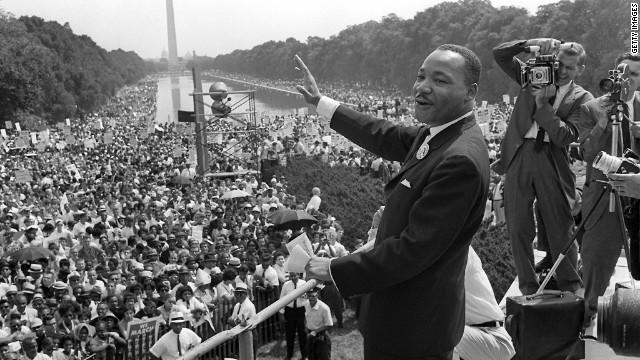 1963年8月28日,金恩在林肯紀念堂前發表「我有一個夢」演說。(Getty Images)