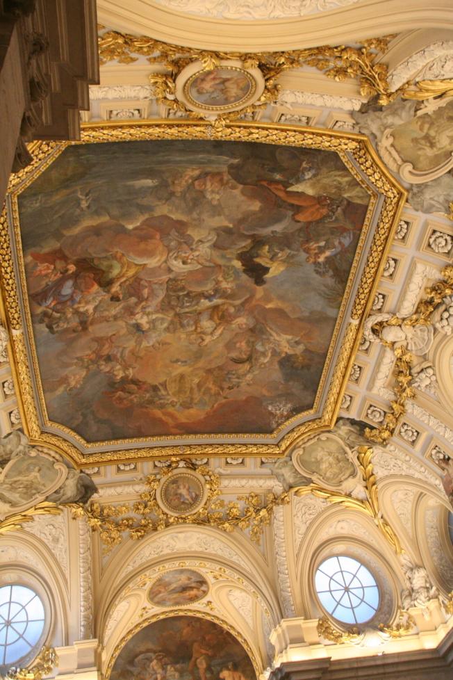 華麗氣派的馬德里皇宮內部。