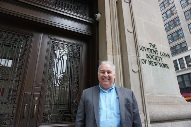 Provident Loan Society曼哈頓總行公關經理Scott Watson。(記者王若馨/攝影)