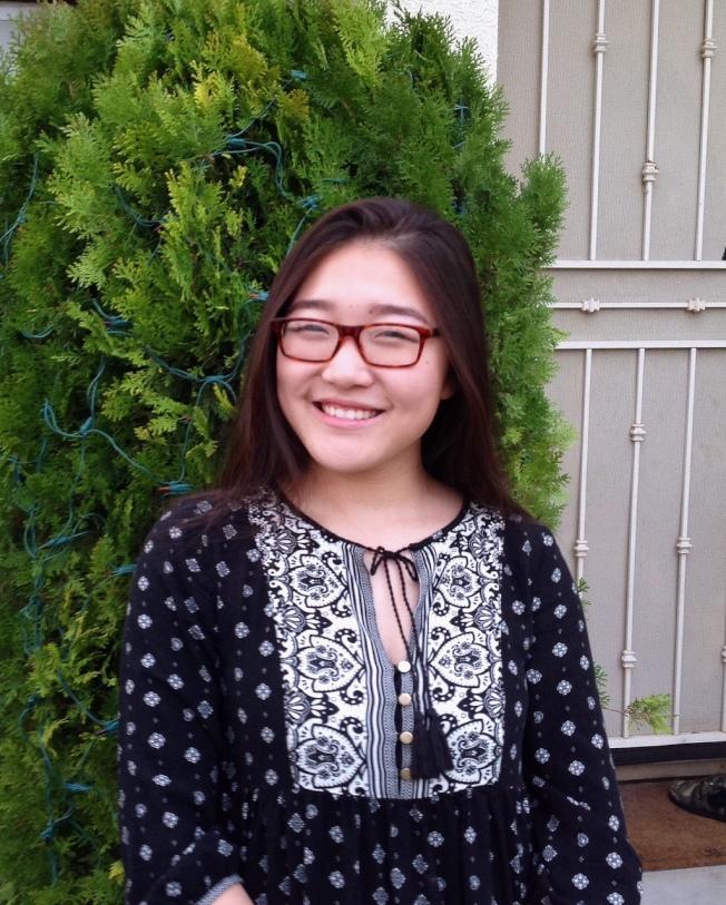 馬上就成為杜克大學新生的中國移民蔣怡文(Yiwen Jiang)是獎學金「三冠王」。(蔣怡文提供)