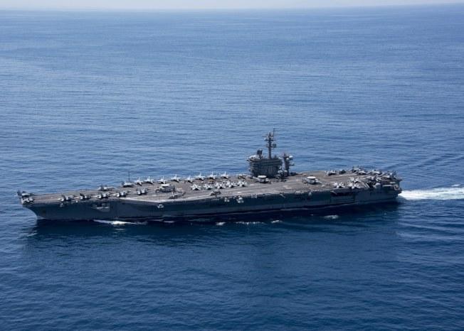 美航母「卡爾文森號」上周在印度洋巡弋時所攝。(Getty Images)