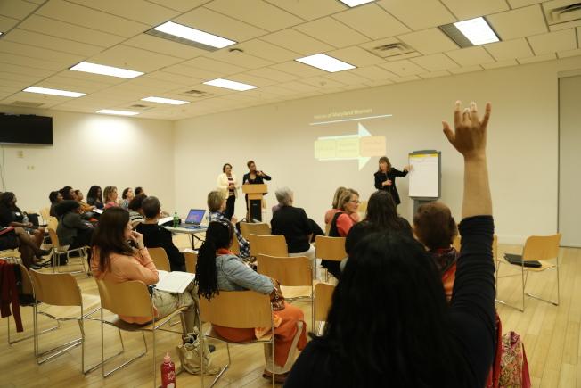 馬州婦女委員會「婦女之聲傾聽之旅」來到蒙郡,與會者就關心議題暢所欲言。(記者羅曉媛/攝影)