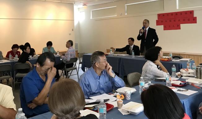 駐邁阿密台北經文處處長王贊禹主持中佛州僑務工作座談會。(駐邁經文處提供)