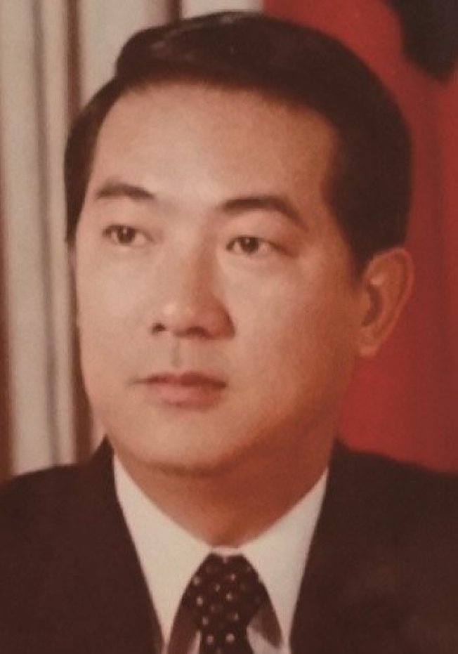 親民黨主席宋楚瑜年輕時是英俊小生。圖/擷取自網路