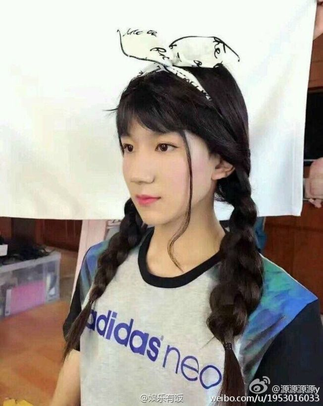 王俊凱、易烊千璽、王源扮女裝,毫無違和感。(取材自微博)