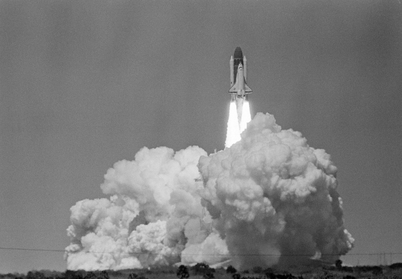 第一顆商業衛星「Early Bird」號,1965年4月6日在甘迺迪角發射升空。(美聯社)