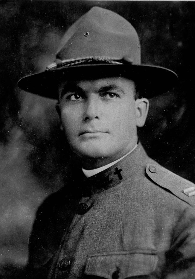 第一次世界大戰時期的Duffy 神父。(美聯社)